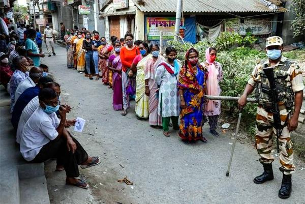 west bengal polls  78 36  turnout in phase 5 amid sporadic violence