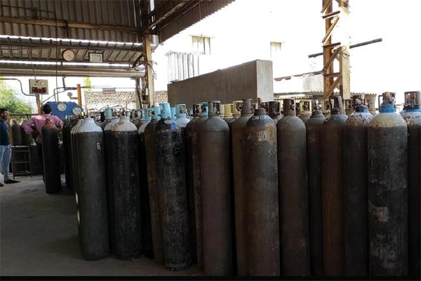 factory announced an oxygen cylinder for one rupee