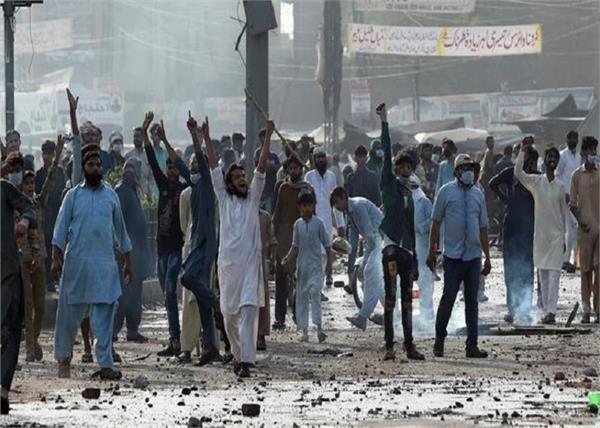 pakistan violence islamic organization tortures dsp 4 policemen kidnap