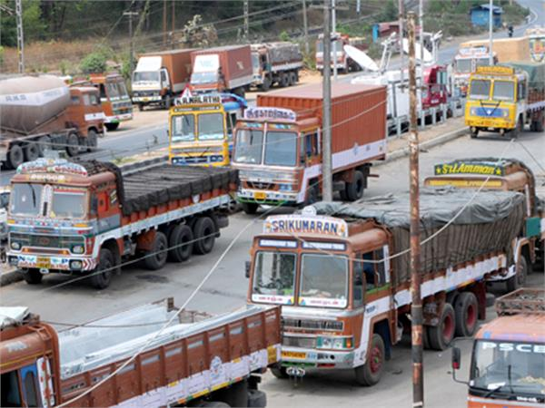 gst officials will get real time data detect vehicles running without e way