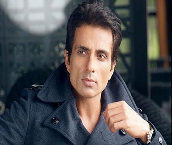 sonu sood again came to the rescue during the corona call