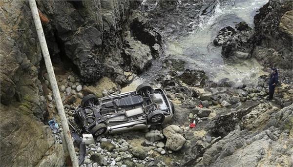 california  car  quarry  mother  daughter  death