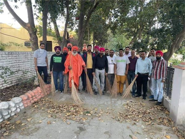 balbir singh seechewal cleaning campaign sultanpur lodhi