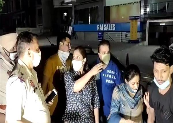 jalandhar curfew guru nanak mission chowk robbery
