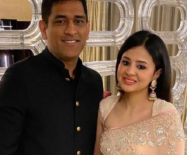 sakshi dhoni   health update  inlaws