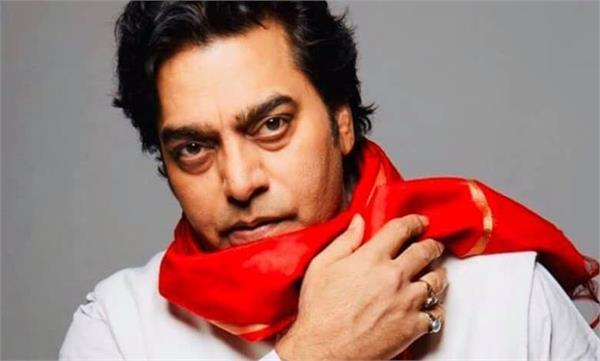 actor ashutosh gets corona first dose of corona vaccine for last week