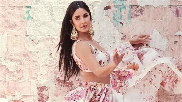 actress katrina kaif  s corona report i negative  information on social media