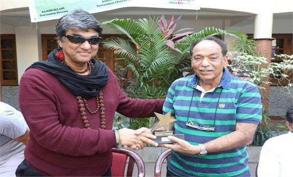 mumbai actor mukesh khanna  s elder brother satish dies of