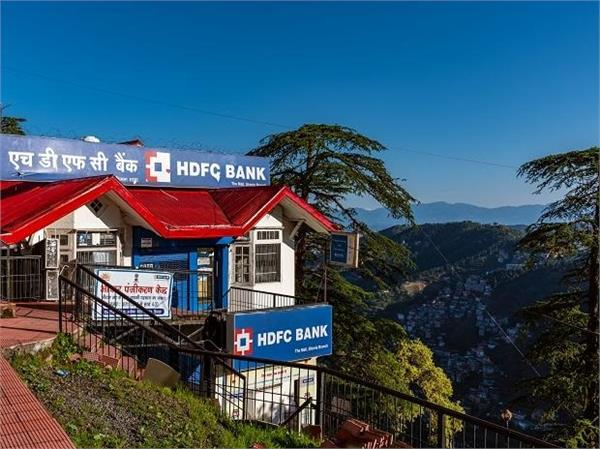 hdfc bank  s profit rose 18 per cent to rs 8 186 crore
