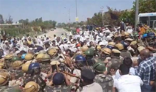 farmers protest against cm manohar lal khattar