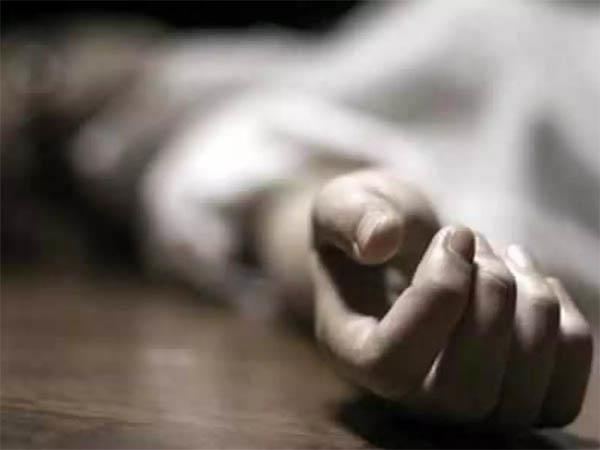 bus stand  bus  woman  corpse  recovered
