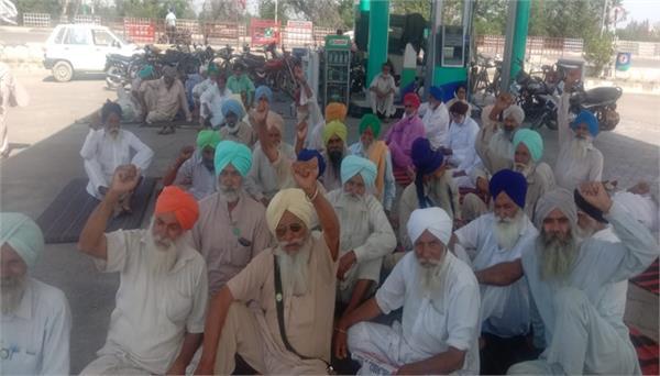 farmers   protest against anti farmer black laws enters 189th day