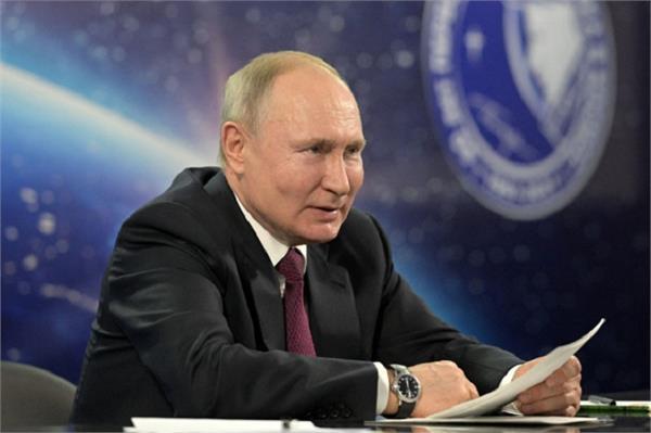 russia  president vladimir putin  corona vaccine  second dose