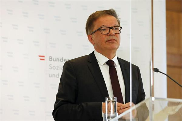 austria s health minister resigns says he s overworked