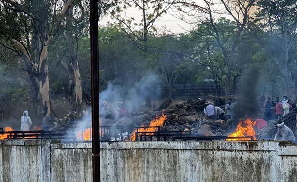 dead bodies waiting at ghaziabad crematorium