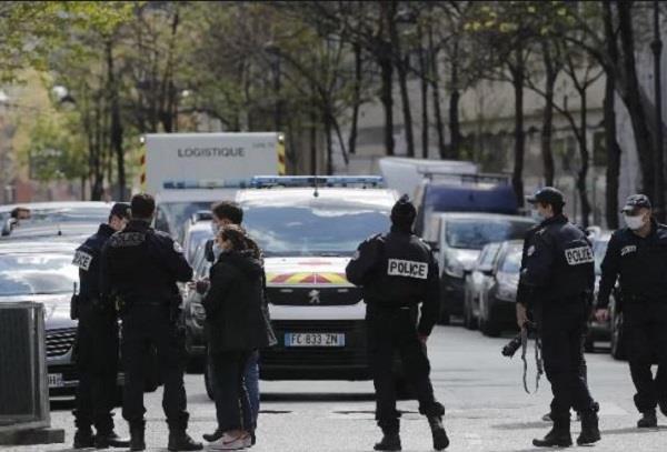 paris  hospital  shooting  1 dead