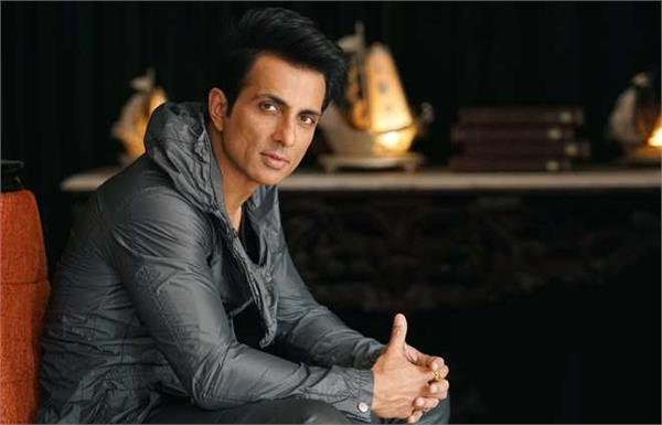troubled people arrive at sonu sood s house with complaint