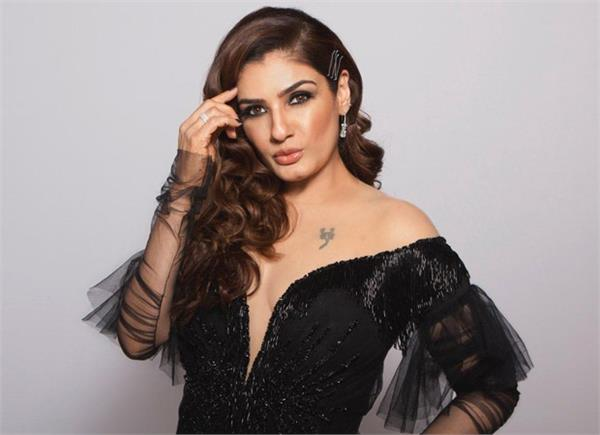 raveena tandon became a mother at the age of 21