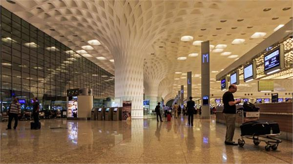 cyclone tauktae mumbai airport closed from 11 am to 2 pm