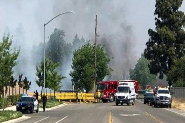 us uncontrolled car crashes in clovis chaos ensues
