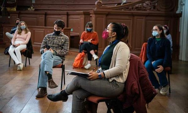 uk  university students  classes  permits