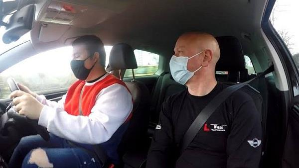uk  driving test  waiting list