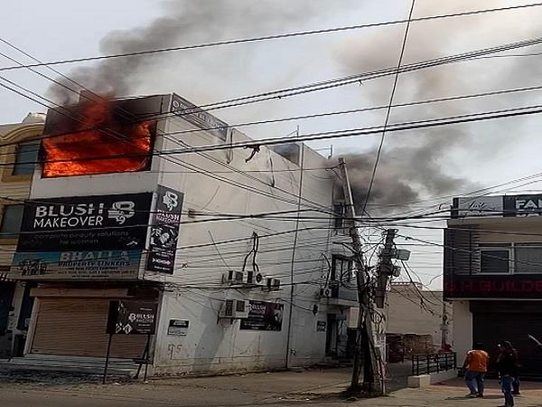 jalandhar  a fire broke out on the second floor of a building on 66 feet road