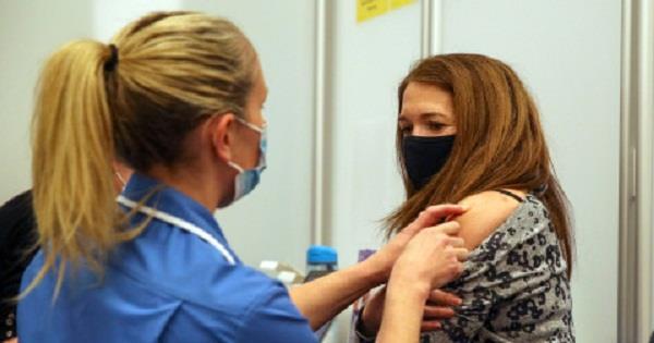 uk  corona vaccination  people
