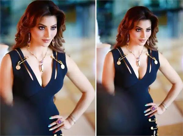 urvashi rautela wears such an expensive dress for a music video