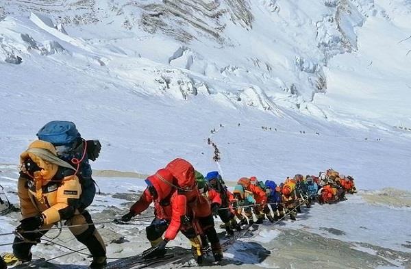 nepal  mountaineers  appeals  corona patients