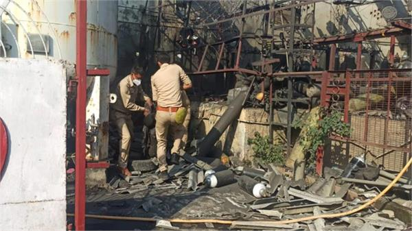 lucknow cylinder explodes at oxygen plant