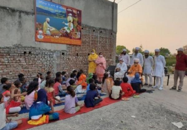 the namdhari sect is giving free education to the slum dwellers