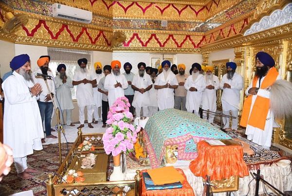 shiromani committee celebrates bhagat kabir  s birthday
