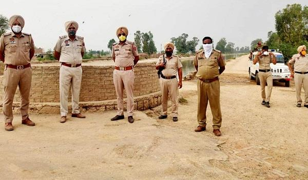 50 000 liters liquor destroyed in joint operation by punjab and rajasthan police