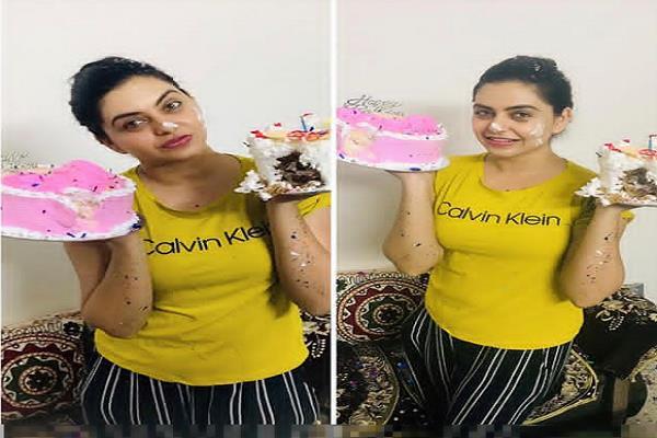 actress nisha bano cuts cake to wish herself a happy birthday
