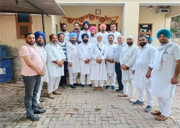congress leaders advocates  jobs  captain sarkar  barnala