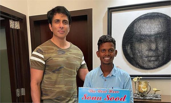 sonu sood crazy fan travel 700 km without any vehicle
