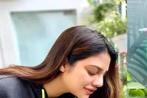 nusrat jahan shared beautiful photos with baby bump going viral