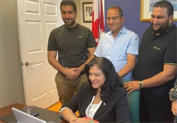 associate minister of small business red tape reduction neena tangri