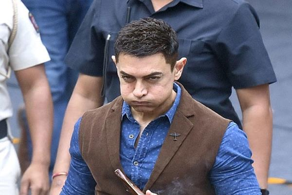 during the shooting of the movie   ghulam   when aamir khan