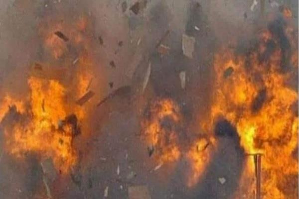 seven killed in cylinder blast in gujarat