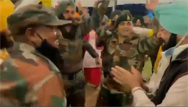 captain amarinder singh bhangra video viral