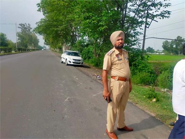 jalandhar pathankot highway police recovred man deadbody