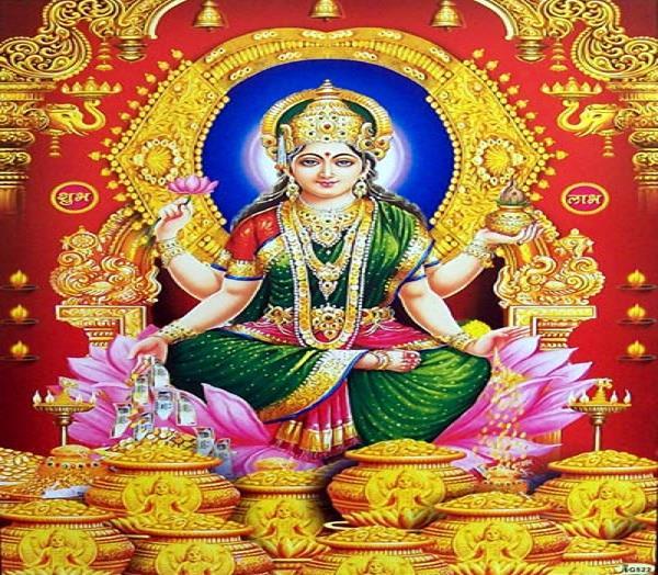 wearing pearls brings blessings of mother lakshmi