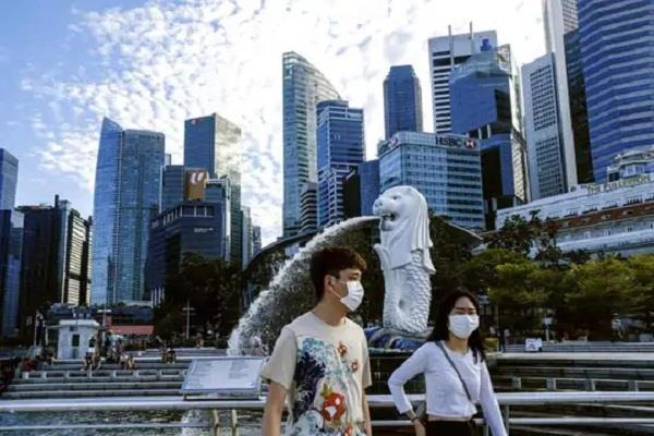 more than 1 lakh foreign professionals flee singapore