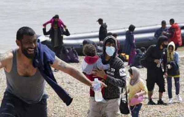 430 illegal immigrants entered the uk by sea in one day