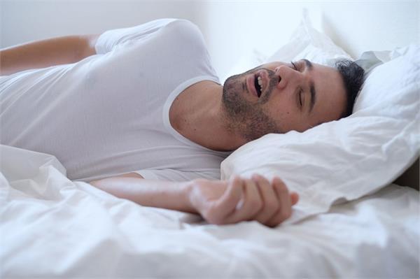health care night sleep snoring problem heart disease