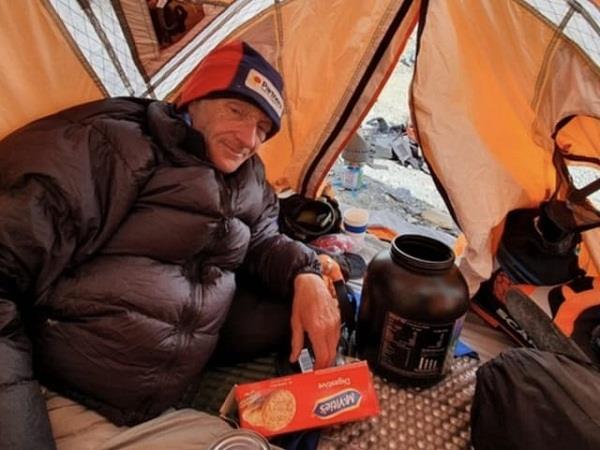 scottish mountaineer dies while climbing k 2