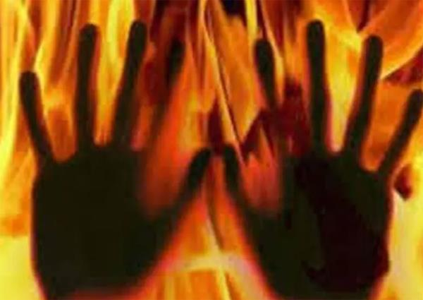 bed caught fire due to short circuit  death of girl