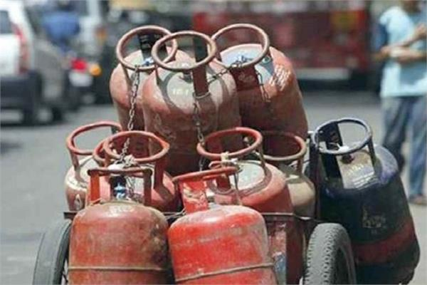 inflation shock commercial lpg gas cylinder goes up by rs 73 5